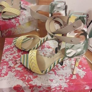 Chinese Laundry Floral Heels Size 8.5